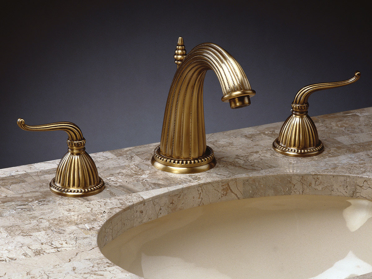 Classic Faucet - Aged Brass