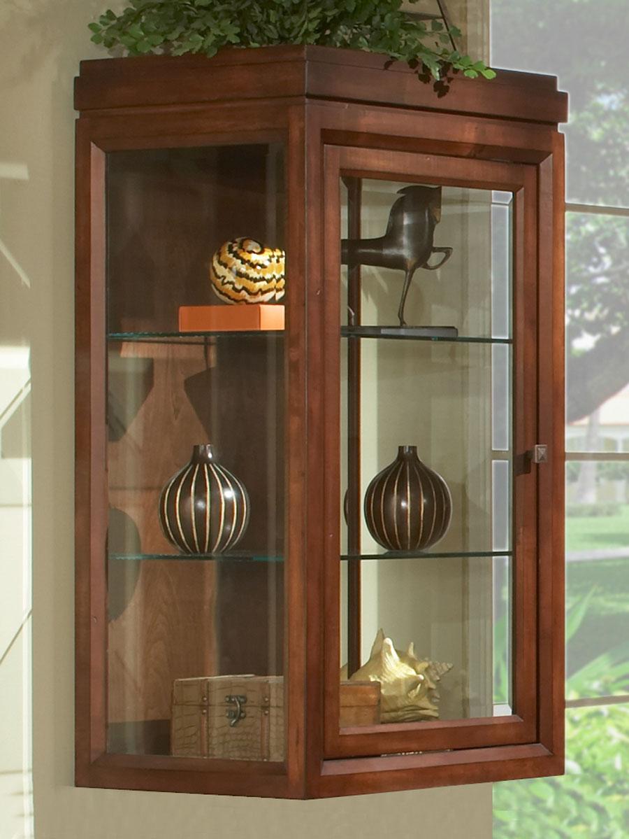 Optional Linen Cabinet (Hutch)