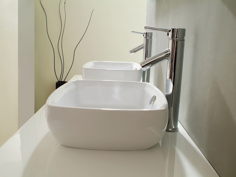 Includes 2 ceramic sinks