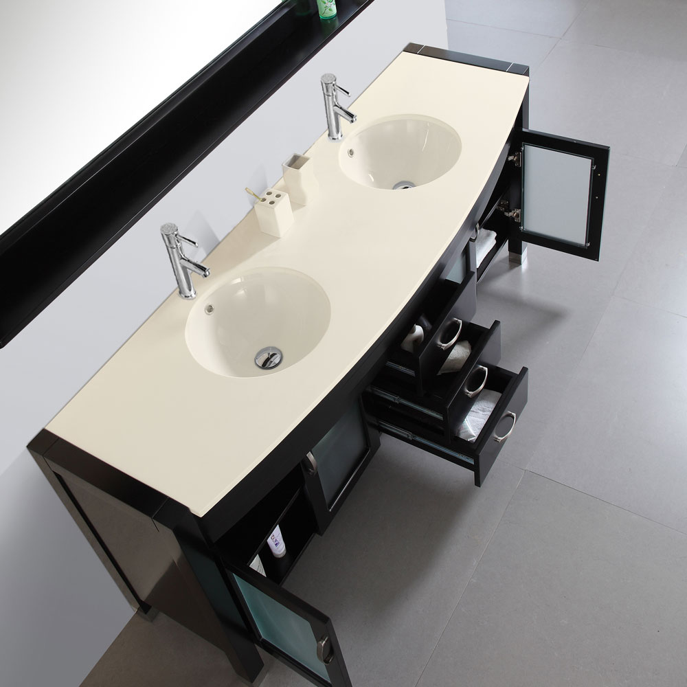Integrated Ivory Stone top and sinks