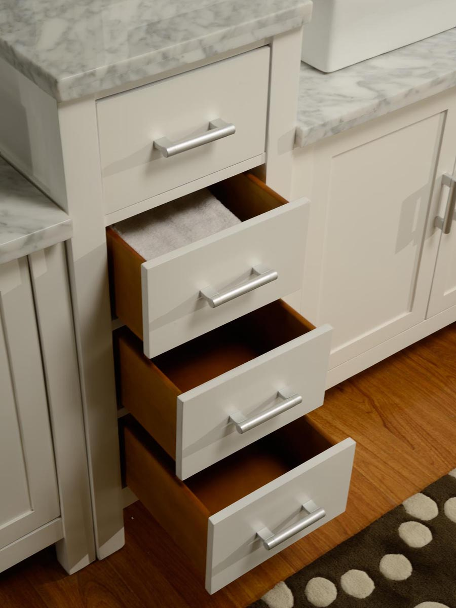 Four soft-closing drawers