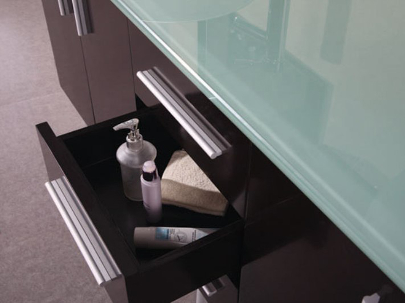 Soft-closing drawers