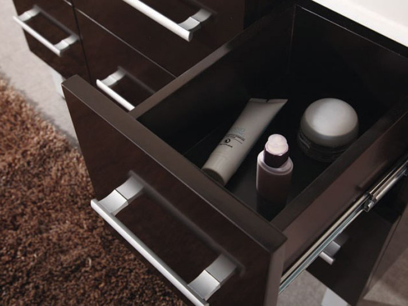 Soft-closing drawers