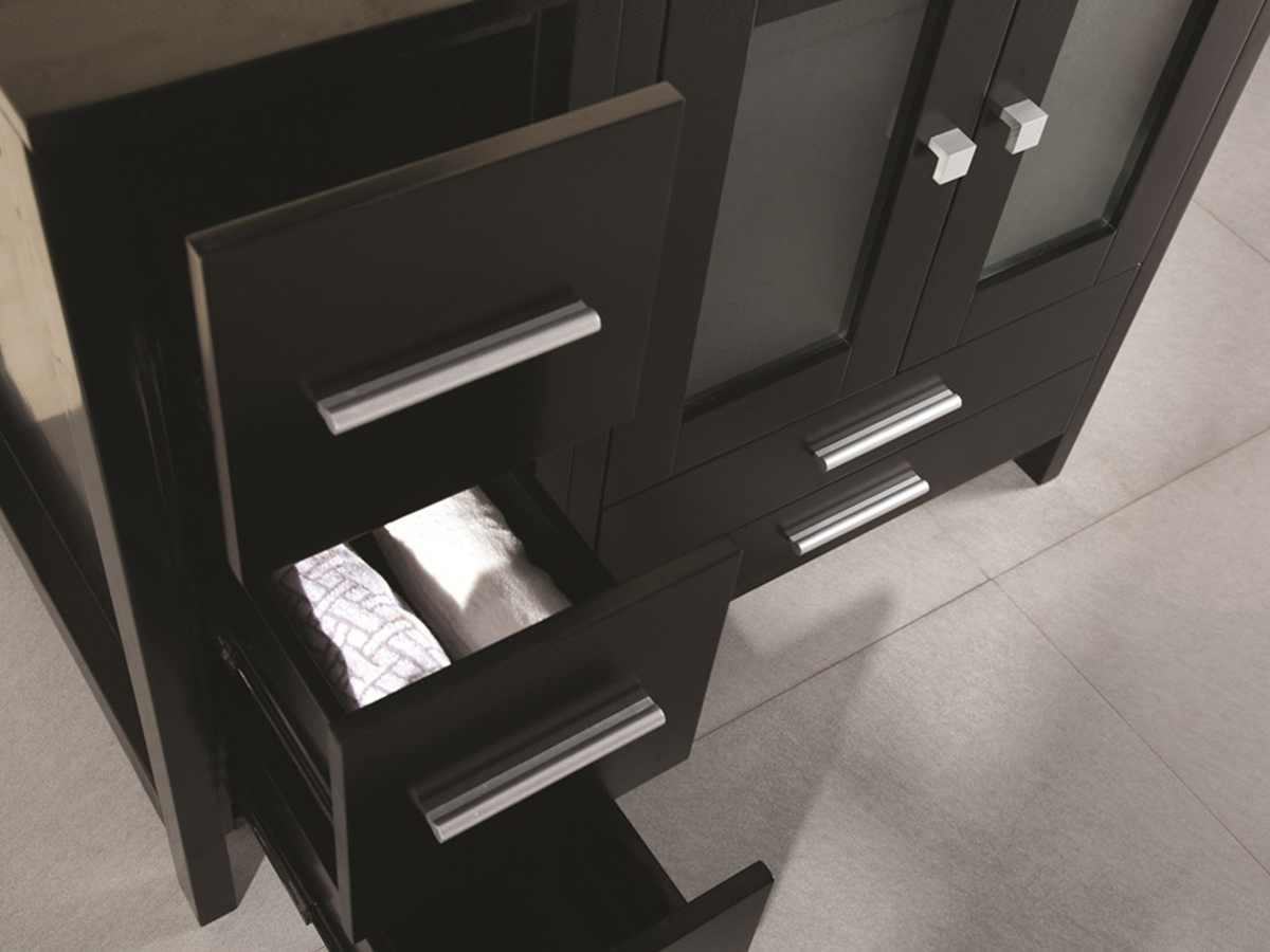 Included detachable side cabinet