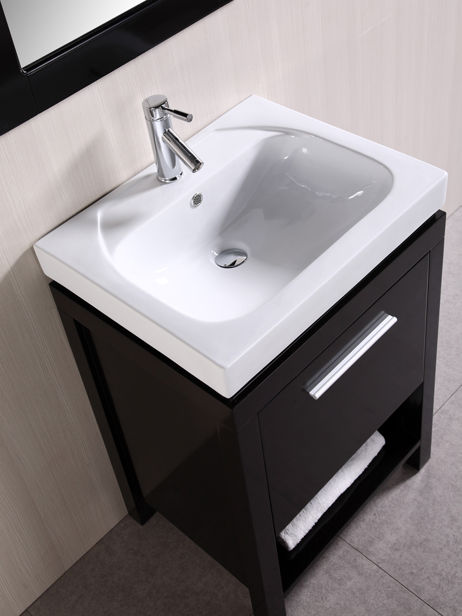 Integrated porcelain sink