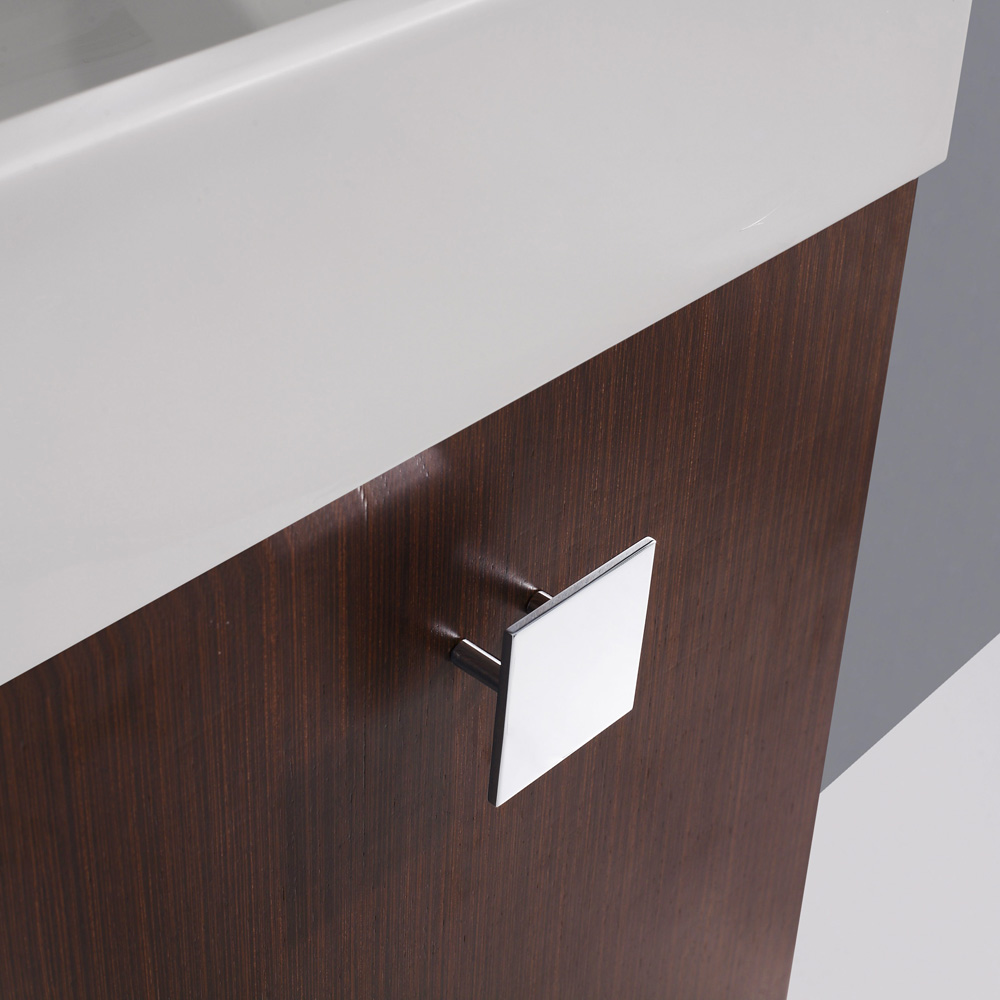 Chrome square-shaped cabinet pull